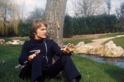 """Sortie en 1967 dans sa version originale française, la chanson """"Comme d'habitude"""" de Claude François connaîtra un succès mondial grâce à """"My Way"""", son adaptation en anglais par Frank Sinatra"""