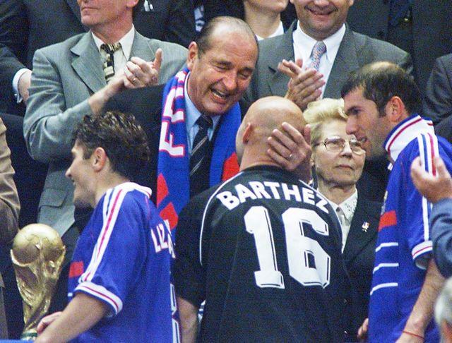 Jacques Chirac en 1998 après la victoire de l'Equipe de France