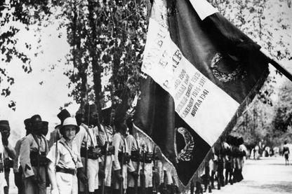 """Le 2 mars 1941 après avoir pris aux Italiens l'oasis de Koufra dans le sud-est de la Libye, le futur maréchal Leclerc faisait le serment """"de ne déposer les armes que lorsque les couleurs (françaises) flotteraient sur la cathédrale de Strasbourg""""."""