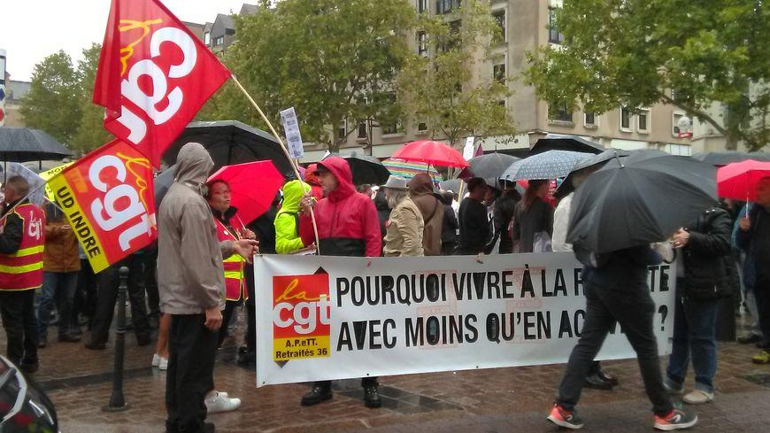 Près de 300 personnes défilent à Châteauroux pour dénoncer la réforme des retraites