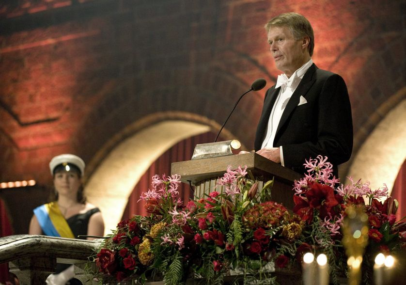J. M. G Le Clézio lors de son discours de réception du prix Nobel de littérature à Stockholm le 10 décembre 2008