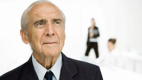 Réforme des retraites : les seniors peuvent-ils et doivent-ils travailler à 55 ans passés ?