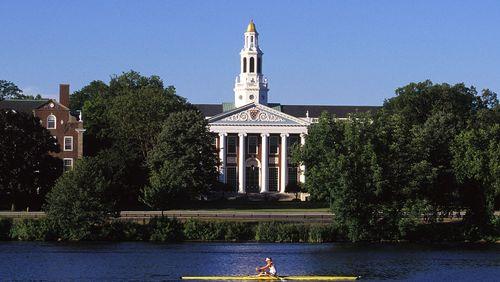 Épisode 1 : Harvard, le mythe