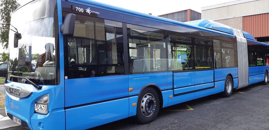 Les bus fonctionnent grâce à du gaz de ville compressé