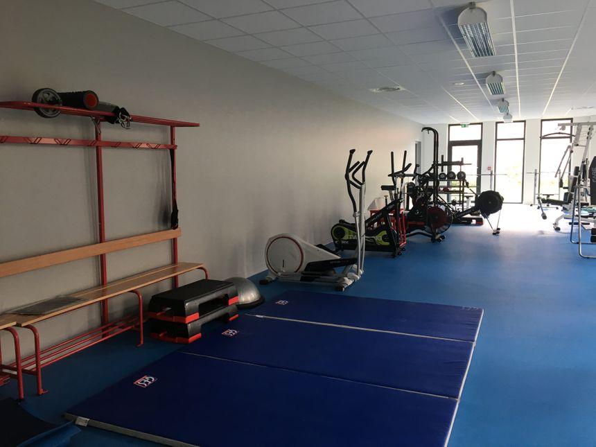 Une salle de sport de 100 m² a été installée dans la nouvelle caserne.