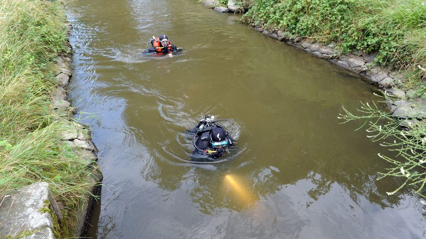 Des plongeurs des sapeurs-pompiers de l'Indre ont été mobilisés pour repêcher le corps (photo d'illustration)