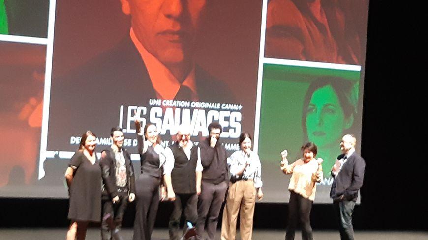 """L'équipe du film """"Les Sauvages"""" sur la scène de la Comédie de Saint-Etienne"""