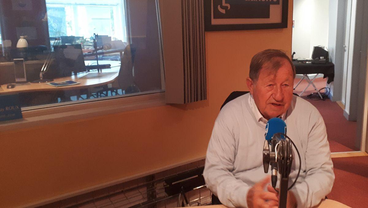 Guy Roux, invité de France Bleu Auxerre, interrogé par Isabelle Rose