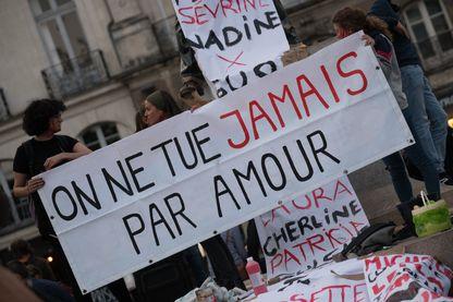 """Le 6 septembre, le collectif """"Nantaises en Lutte"""" organisait une marche pour rendre hommage aux 102 femmes tuées par leurs conjoints depuis le début de 2019."""