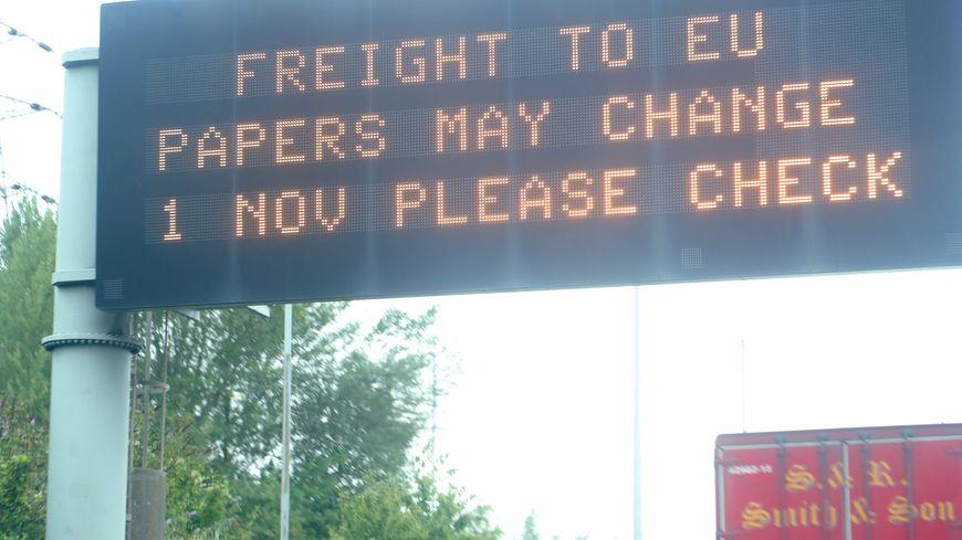 """""""Fret vers l'Europe, les documents peuvent changer au 1er novembre, s'il vous plaît vérifiez"""""""