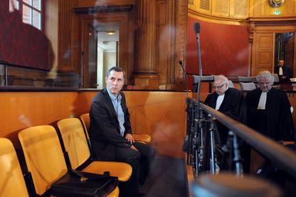 Photo prise le 20 avril 2009 au palais de justice de Toulouse du professeur de droit Jacques Viguier, poursuivi pour le meurtre de sa femme mystérieusement disparue en 2000 et dont le corps n'a jamais été retrouvé.