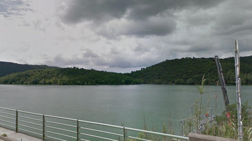 Le jeune homme a disparu au large de la base nautique du lac Saint-Cassien