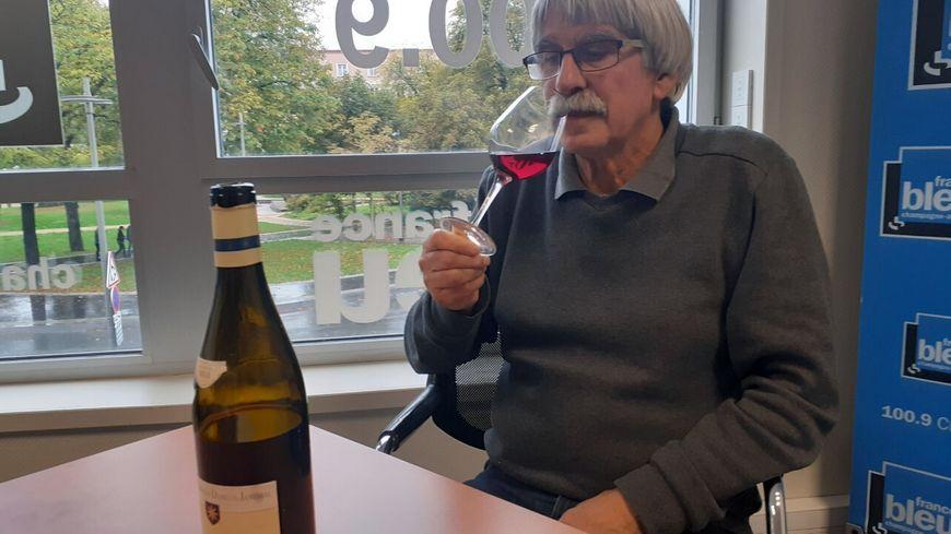 Jacky Camus participe aux championnats du monde de dégustation de vins à l'aveugle pour la première fois