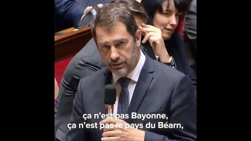 Le cafouillage de Christophe Castaner, à l'Assemblée nationale, diffusé sur son propre compte Twitter.