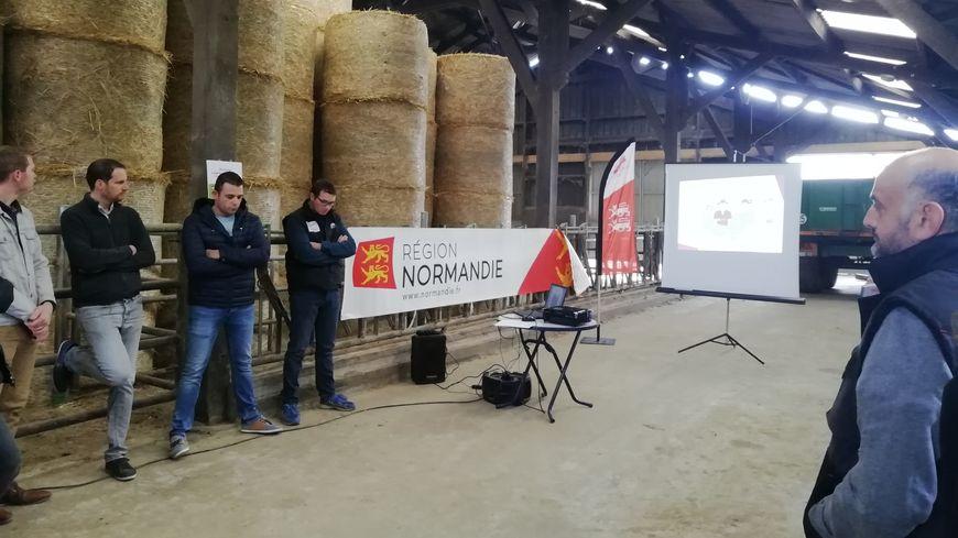 Le guide à l'installation pour les agriculteurs normands a été présenté ce mardi dans une exploitation agricole à Neuville-près-Sées dans l'Orne.