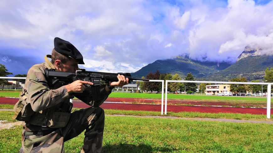 Le 13ème bataillon de chasseurs alpins de Barby-Chambéry est l'une des premières unités de l'armée française à recevoir les fusils d'assaut HK-416F 870x489_71690818_679430475874445_78306745683804160_n