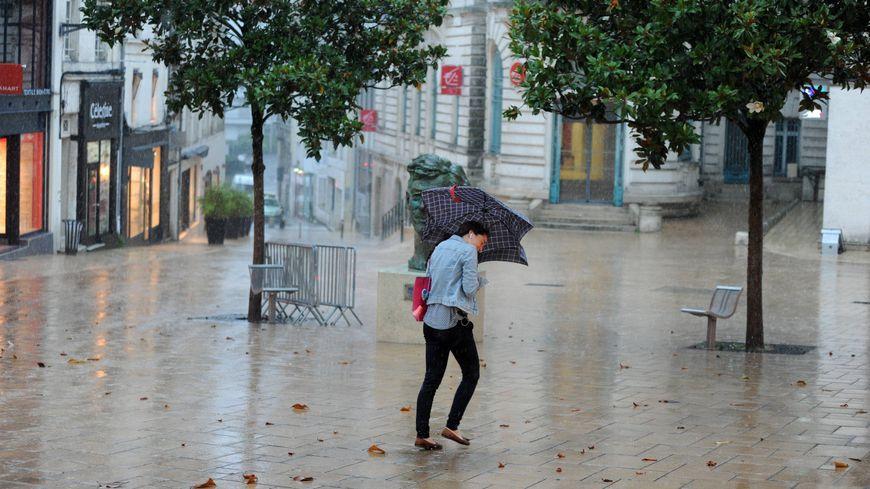 A Angoulême, comme dans toute la Charente et la Charente-Maritime, attention aux orages, à la grêle et au vent.