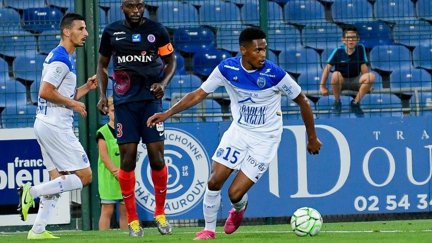 Le capitaine et défenseur central, Yannick M'Bonné espère fêter avec le groupe la première victoire à domicile face à la lanterne rouge.