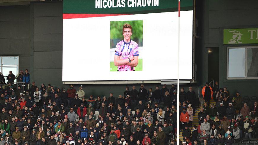 Minute de silence après la mort de Nicolas Chauvin