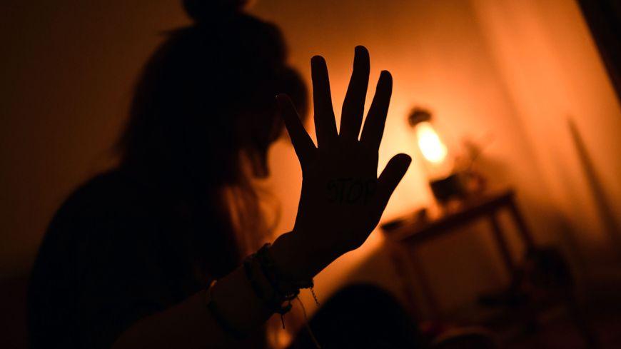 Pour avoir frappé et menacé sa compagne en pleine nuit à Valdoie, un homme de 30 ans été écroué pour violences conjugales.