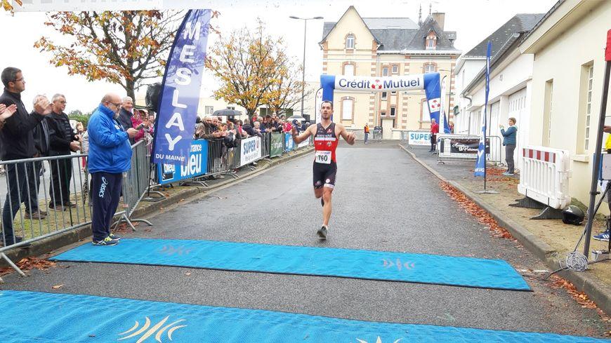 Succès de Herman Landemaine pour 15è édition du semi marathon de Meslay.