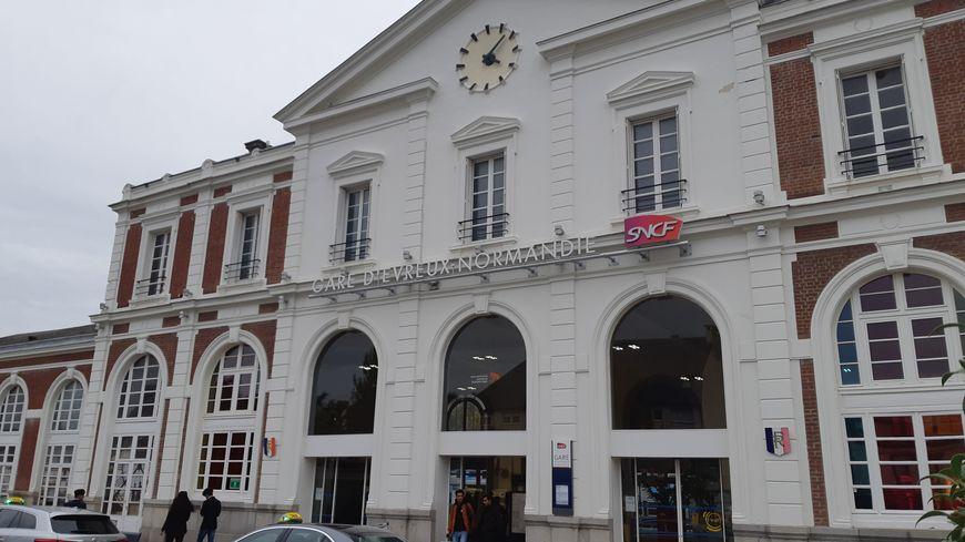 Un collectif d'usagers de la SNCF pourrait être créé à Évreux pour de meilleurs horaires
