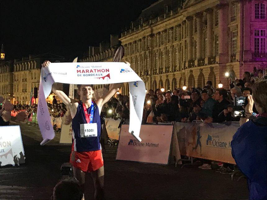 Le vainqueur du marathon masculin Luc Montaudon a remporté l'épreuve en 2h32'29
