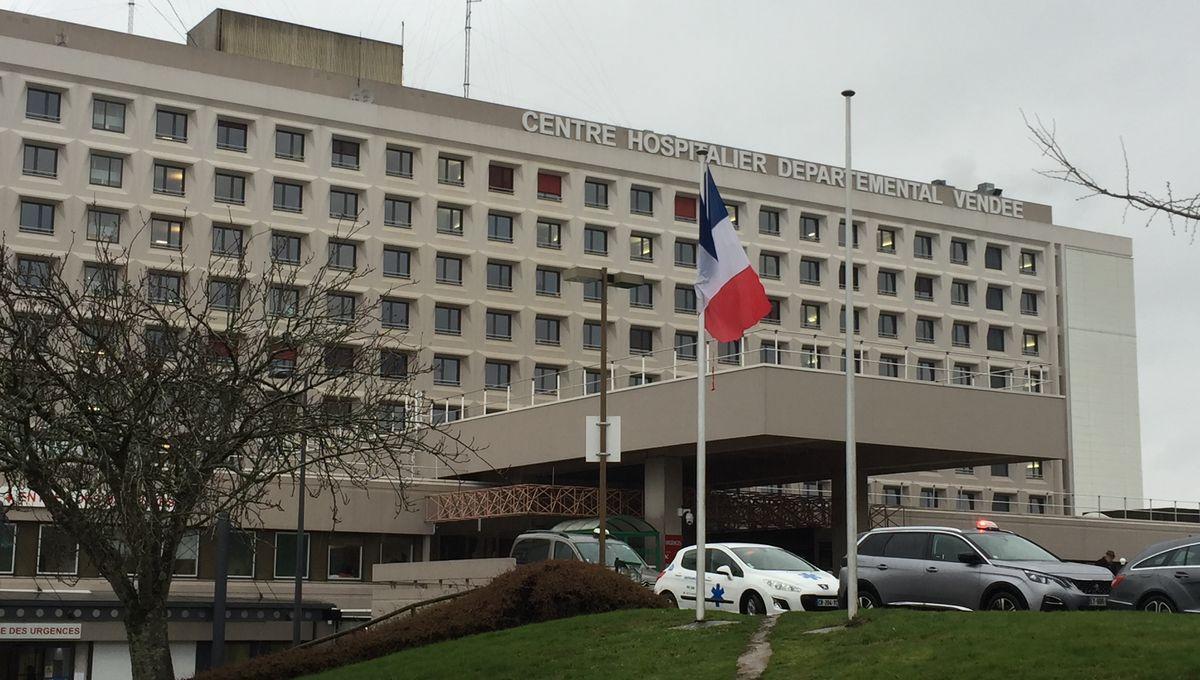 La Roche-sur-Yon : l'hôpital recrute douze infirmiers et aides-soignants supplémentaires aux urgences