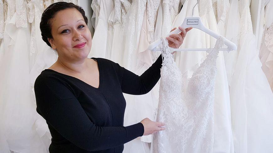 Aurélie Lavessière dans sa boutique