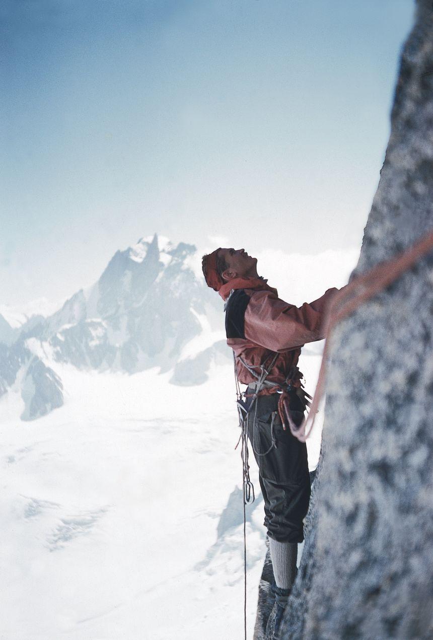 Dans la face Nord du Grand Capucin (Mont-Blanc) en 1955