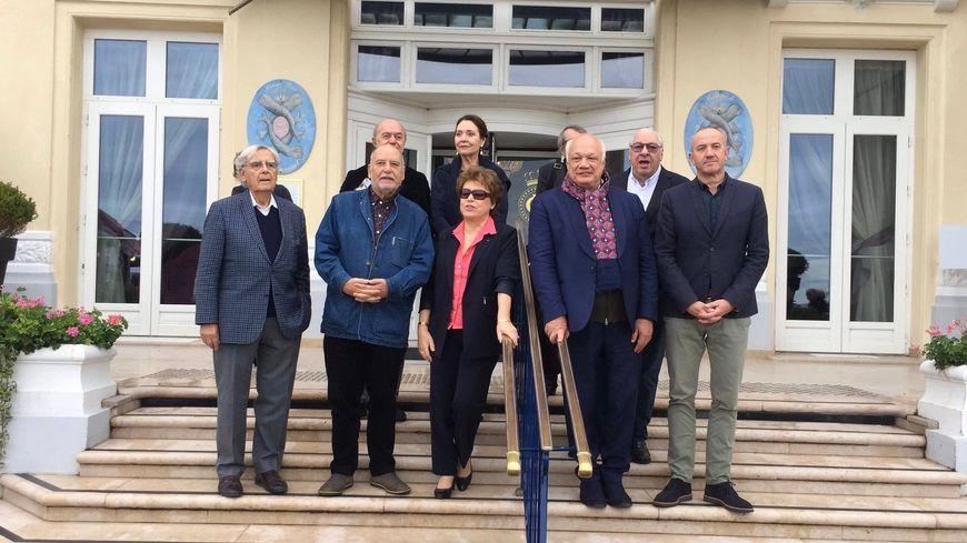 L'académie du Prix Goncourt, présidée par Bernard Pivot, à Cabourg (Calvados), dimanche 27 octobre.