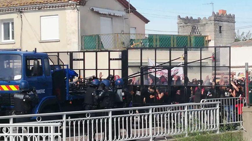 200 gendarmes ont filtré l'accès au coeur du village.