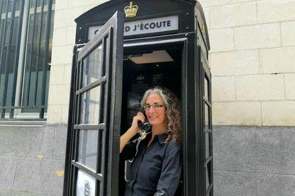 Stéphanie Hanet de la libraire Coiffard avec Sylvian Tesson au bout du fil