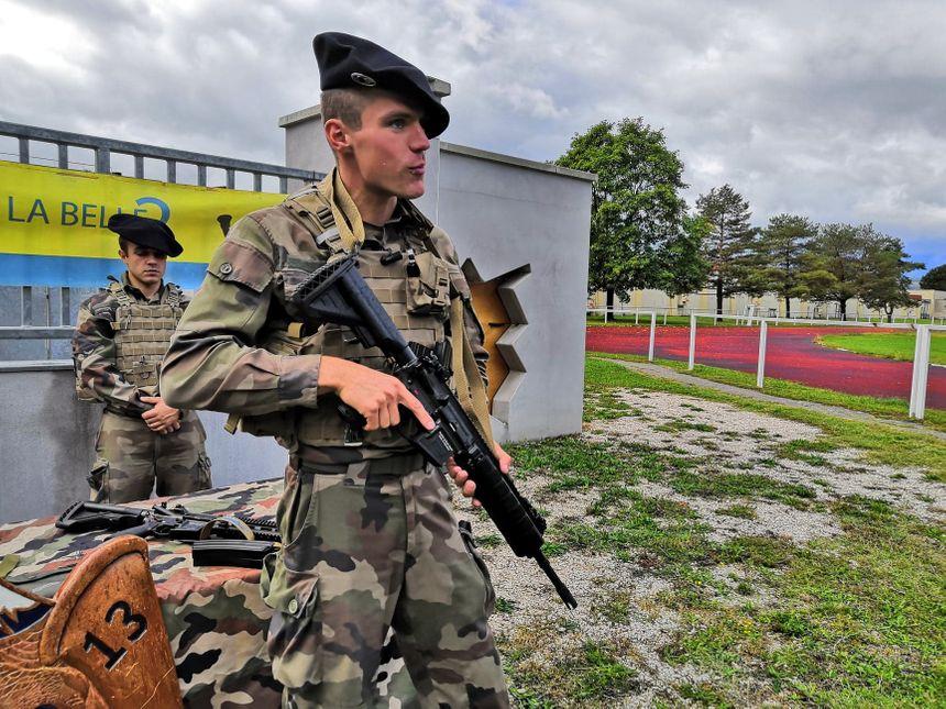 Le 13ème bataillon de chasseurs alpins de Barby-Chambéry est l'une des premières unités de l'armée française à recevoir les fusils d'assaut HK-416F 860_71708082_2118024348506978_452214937637355520_n