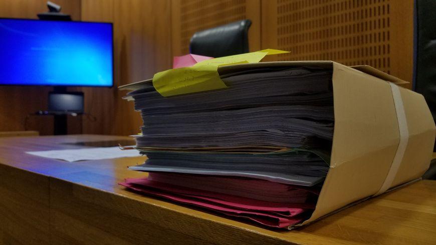 Un dossier très épais, le délibéré a été renvoyé en novembre.