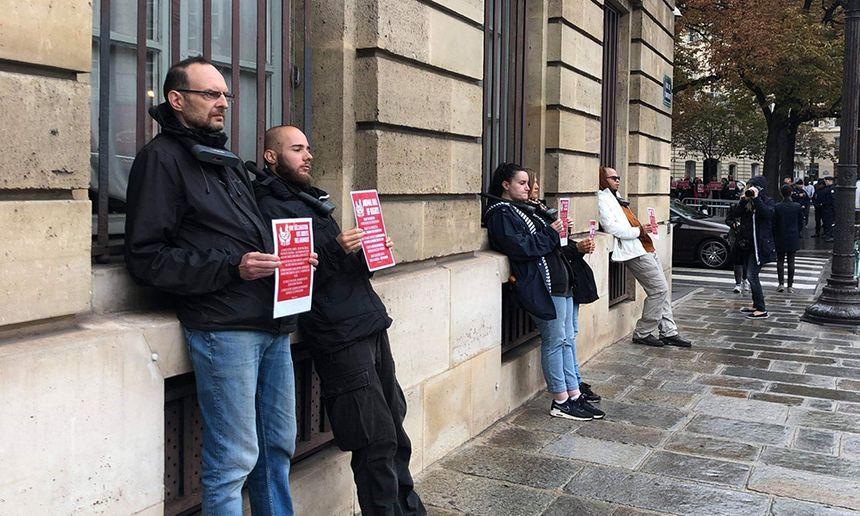 Manifestation à Paris des militants du collectif Loi de Rose