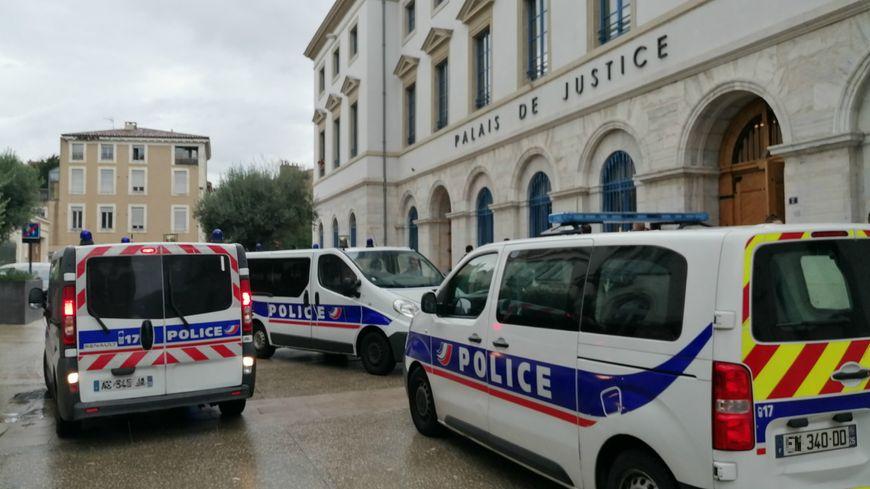 La scène s'est déroulée ce vendredi après-midi au tribunal de Valence.