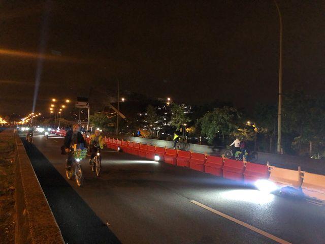 Les participants pouvaient se fournir en Vélib' au départ de la boucle du vélodrome, porte de Pantin.