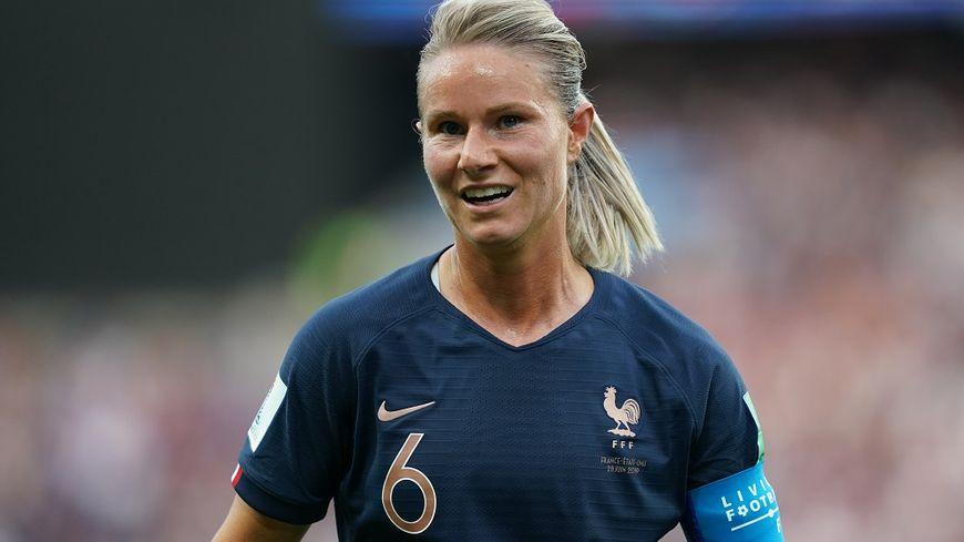 Amandine Henry a été rappelée par la sélectionneuse Corinne Diacre.