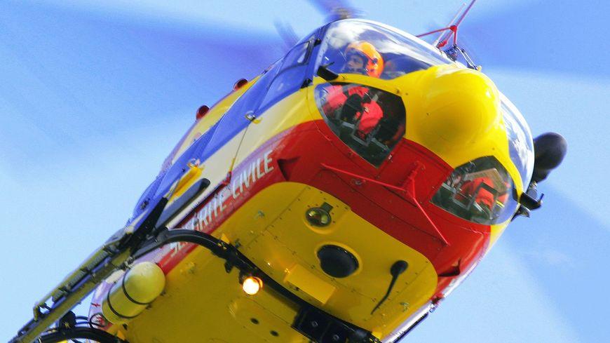 Transportée en urgence absolue par hélicoptère, elle est décédée à l'hôpital