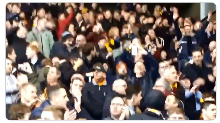 Les supporters écossais du Motherwell Football Club.