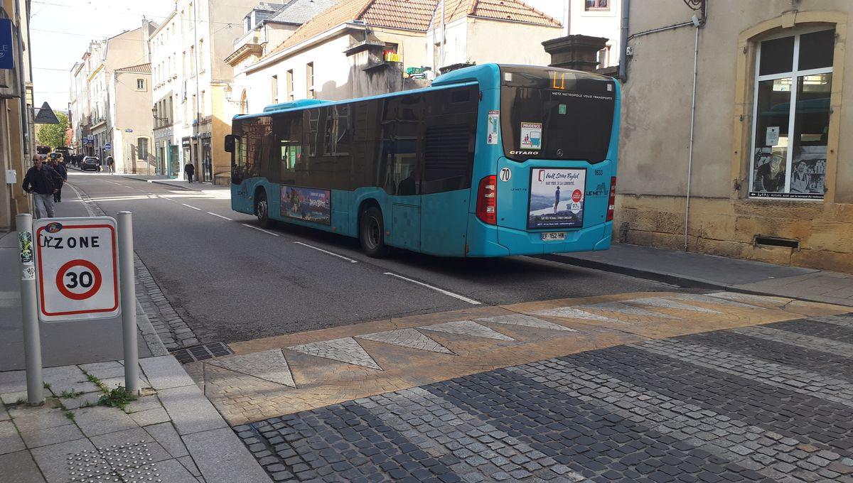 """Conducteur de bus dans l'agglomération de Metz : """"Les ralentisseurs nous secouent une centaine de fois par jour"""""""