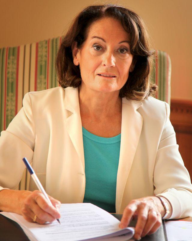 Anne-Marie Cousin Maire de Torigny-les-Villes, présidente de l association des élus de la Manche