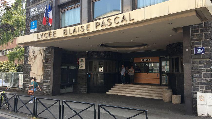 Les faits se seraient déroulés dans une soirée d'intégration d'une classe préparatoire du lycée Blaise Pascal