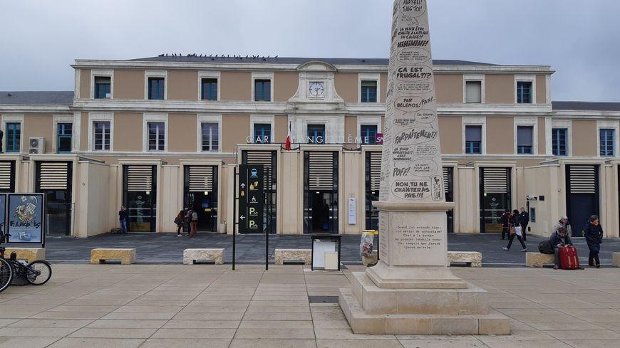 """Zéro train, ni au départ ni à l'arrêt, ce vendredi en gare d'Angoulême, décrétée """"gare morte"""" par la CGT Cheminots. Les préavis de grève semblent particulièrement suivis."""