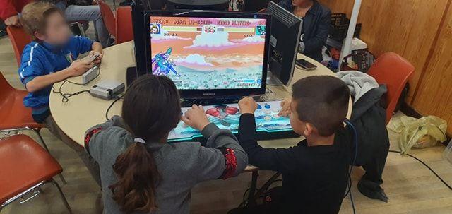 Les plus jeunes découvrent les premiers jeux vidéos !