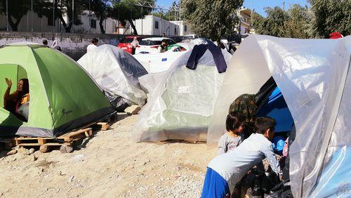 A Lesbos, des milliers d'enfants pris au piège de la politique migratoire européenne