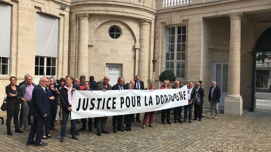 Le département demande à la cour administrative d'appel de Bordeaux de ne pas détruire les travaux déjà réalisés