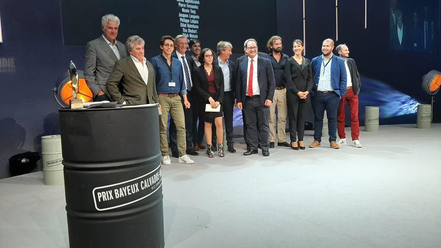 Les lauréats des Prix Bayeux Calvados Normandie 2019 et des élus lors de la soirée de remise des prix le 12 octobre 2019 à Bayeux