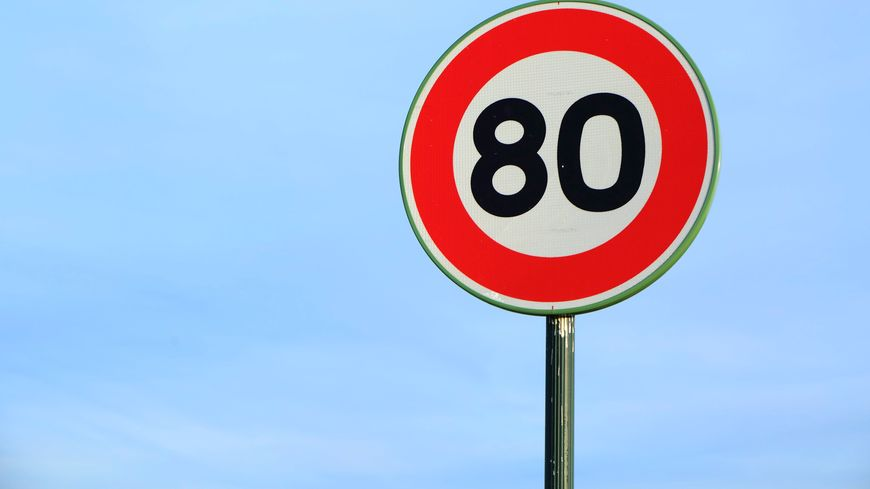 Panneau de limitation à 80 km/h